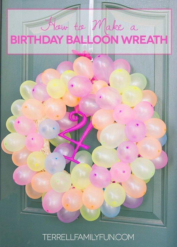 بادکنک آرایی حلقه گل برای جشن تولد
