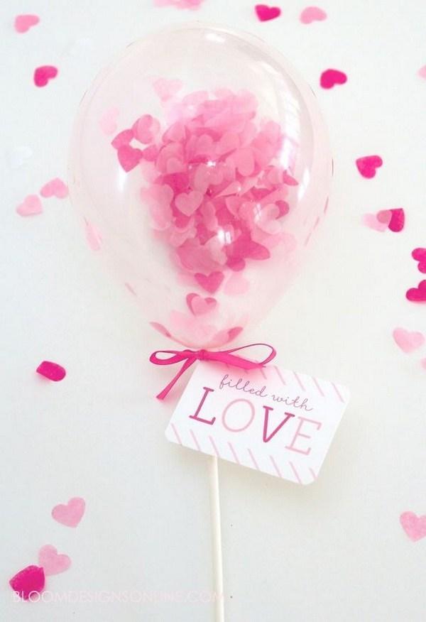 بادکنک پر شده با عشق